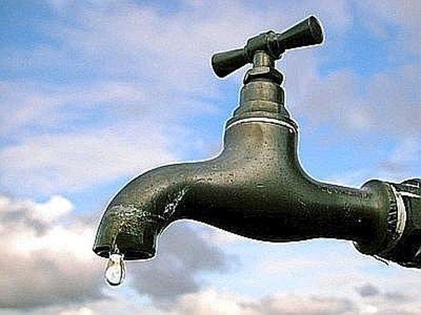 Bocciata dal referendum, la privatizzazione dell'acqua rispunta nel pacchetto Monti