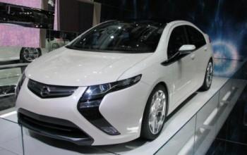 Opel Ampera: l'auto elettrica con 500 km di autonomia
