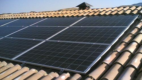 Riciclare pannelli solari: arriva il servizio domestico gratuito