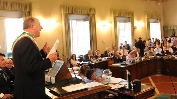 «Difenderò il nostro patrimonio idrico» Il sindaco di Lucca contro una società unica regionale del servizio idrico