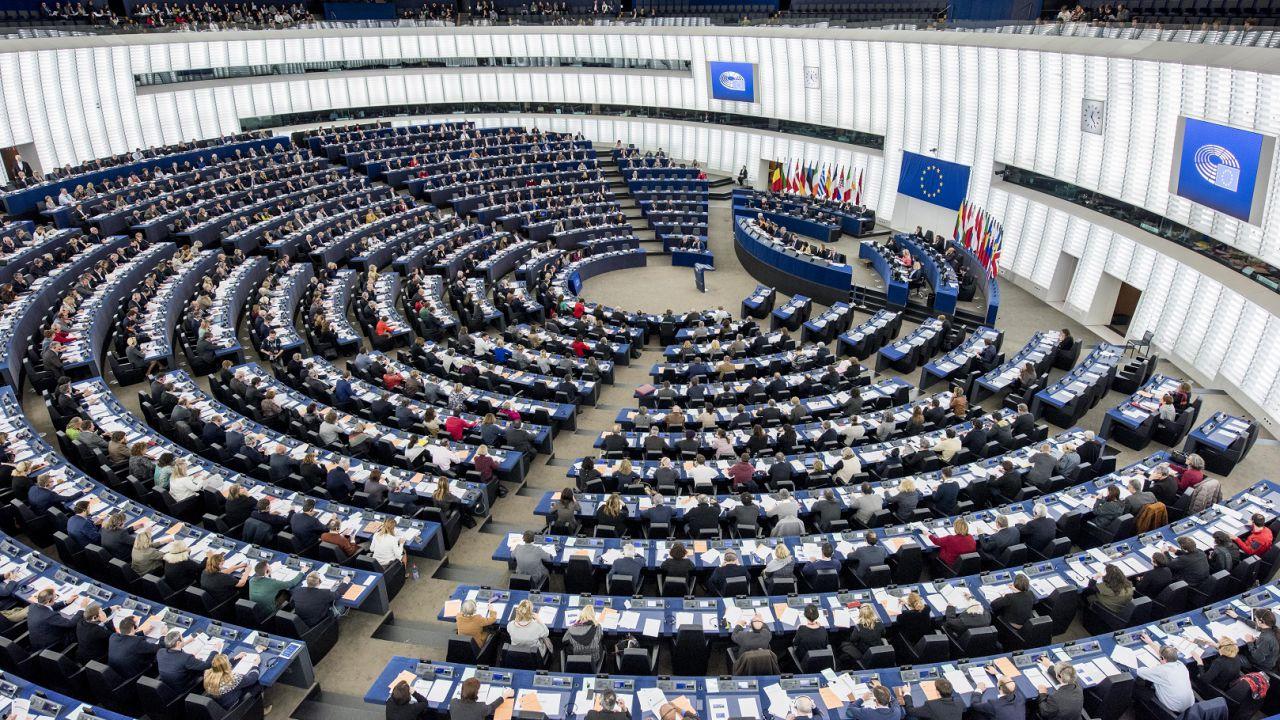 Parlamento Ue: dichiarata emergenza clima e ambiente in Europa e nel mondo
