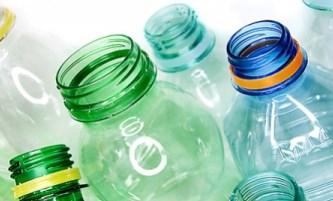 Plastica, in Francia saranno più cari gli imballaggi non riciclati. E in Italia?
