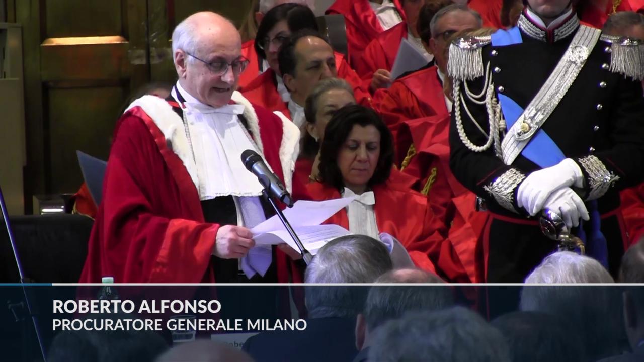 """Rifiuti, procuratore generale di Milano Alfonso: """"C'è un'unica regia dietro gli incendi dolosi al Nord"""""""