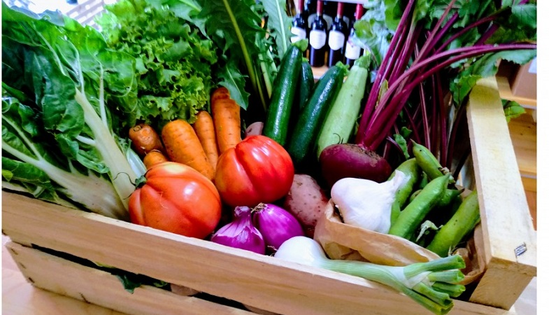 Verdura fresca per chi è in difficoltà: a BuonMercato nasce la Cassetta Sospesa